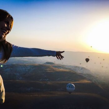 «Γεύση» από τη Διεθνή Εβδομάδα Μόδας στο Ντουμπάι με την Karina Bottene